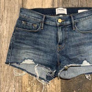 FRAME, Le Cutoff denim shorts in Sandown, 25